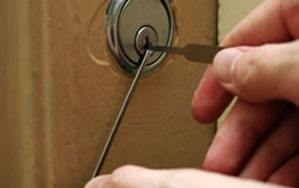 Door locks Glossop